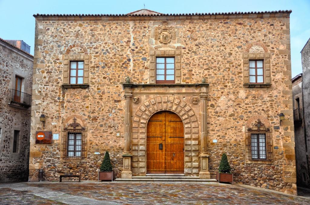 Qué ver en Cáceres, Palacio Episcopal